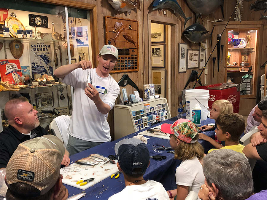 teaching kids to rig fishing tackle